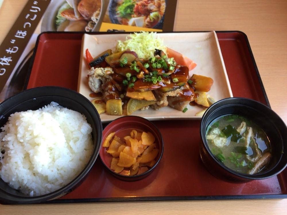 ジョイフル(joyfull)のメニュー 彩り野菜と若鶏の黒酢あんかけ定食