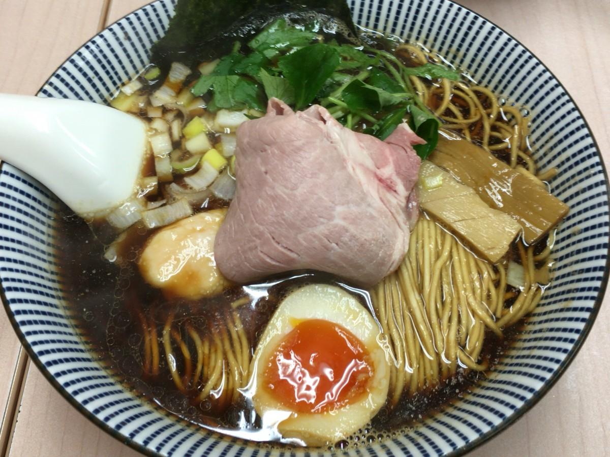 【上尾市】中華そば「よしかわ」煮干しのダシがたまらんです 黒醤油