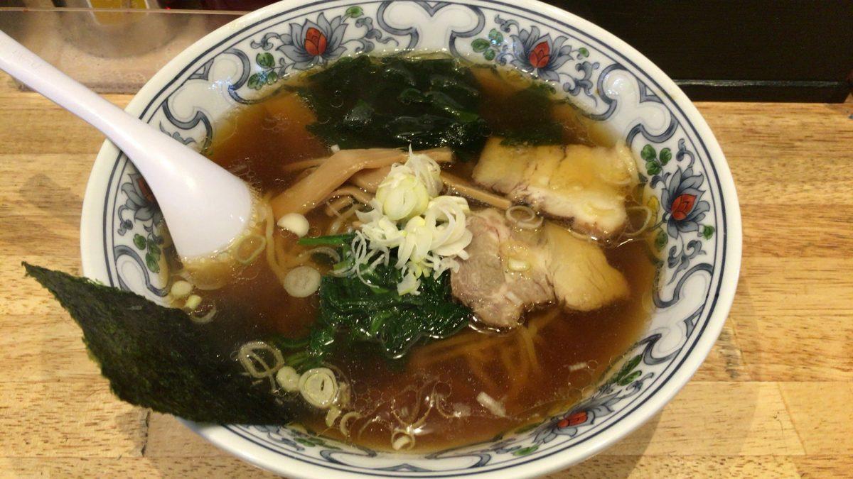 【さいたま市西区】「らーめん居酒屋 みらいご」しょうゆラーメンのスープは絶品
