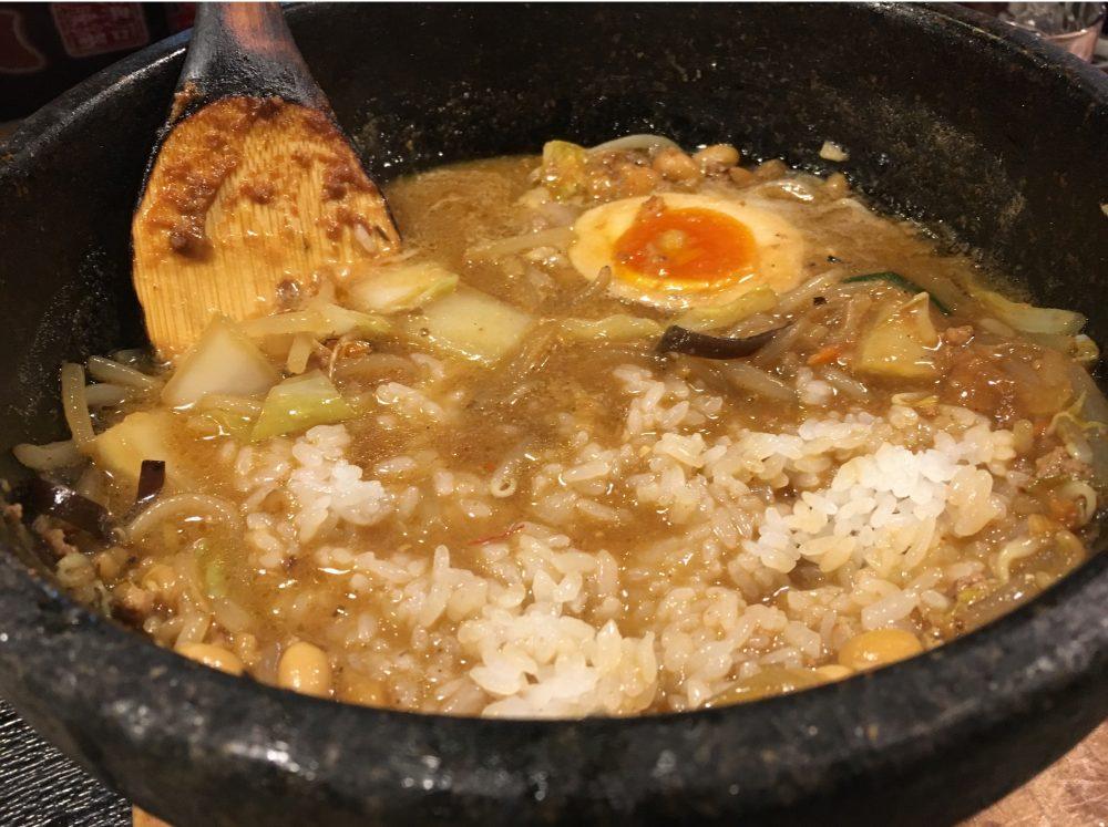 【上尾市】器のグツグツにびっくり!「石焼らーめん 火山」熱々のスープは必見です